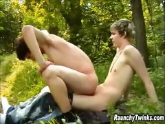 two-twinks-fuck-in-the-woods