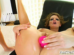 Petra is back to take more cock in her ass. She gets assfucked good and even licks some ass. She swallows the whole cumshot like a good girl