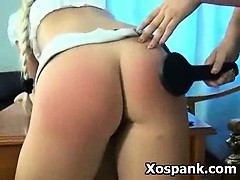 hot-erotic-teen-in-vibrant-spanking-girl