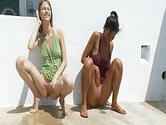 two-hot-girls-peeing-in-public