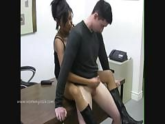 lady-boss-motivates-employee-by-masturbating-him