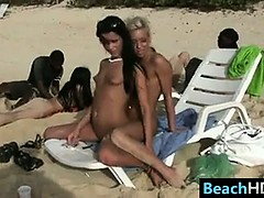 kinky-naked-beach-girls