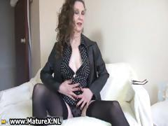 brunette-mature-mom-with-sexy-black-part2