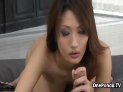 japanese-idol-loves-sucking-on-a-big-part1