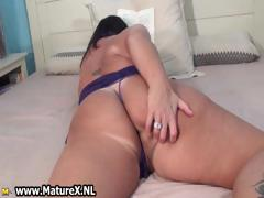 old-mom-with-a-huge-ass-is-stripping-part2