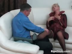 sweet-mature-blonde-gets-pussy-fucked-part5