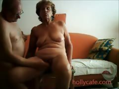 mature-wife-is-toyed-by-her-hubby-wife-dildo