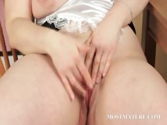 bbw-mature-teases-her-sexy-assets
