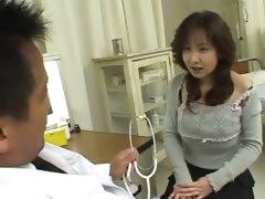 korean-doctor-and-korean-asshole
